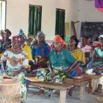P2-Aufmerksame Frauen im Seminar in Ulyankulu